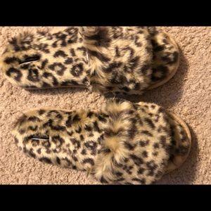 Victoria's Secret animal print slippers  M NWT